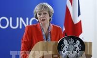 メイ英首相、EU市民の在留資格の申請簡素化を約束