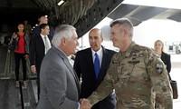 予告なしにアフガン訪問 ティラーソン米国務長官がガニ大統領らと会談