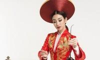 ベトナムの民族楽器一弦琴ダンバウの演奏