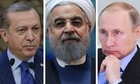 ロシア提唱のシリア会議に賛同   イラン、トルコ首脳