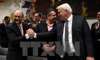 独メルケル首相、第2党SPD党首と会談へ