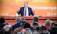 ロシア プーチン氏「所得は好転」大統領選に向け懸念ふっしょく