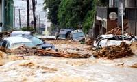 西日本の豪雨、死者87人