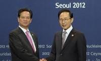 Aktivitas PM Vietnam Nguyen Tan Dung di KTT ke-2 Keamanan Nuklir di Republik Korea.