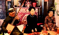 Biduan Pham Thi Hue-orang yang menjaga nyala api terhadap seni lagu rakyat Ca Tru