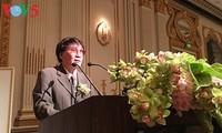 "Jurnalis, sastrawan Tran Mai Hanh dengan buku ""Notulen Peperangan 1-2--3-4.75"