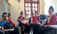 Pejabat wanita etnis minoritas Xinh Mun hangat dengan pekerjaan Asosiasi Wanita