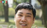 Wartawan, penulis Mai Van Lang berupaya keras untuk mengoleksi dan melestarikan lagu rakyat