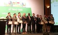 Membantu badan-badan usaha start-up dengan gagasan menghadapi perubahan iklim di Vietnam
