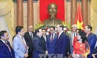 Presiden Tran Dai Quang menerima delegasi Lembaga Palang Merah-Bulan Sabit Merah internasional dan regional