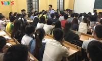 Dosen muda Nguyen Van Minh dengan semangat menciptakan kesempatan lapangan kerja kepada kaum mahasiswa