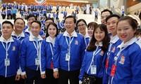"""Pembukaan pameran foto """"Liga Pemuda Komunis Ho Chi Minh  merasa bangga tentang tradisi-mantap pada masa depan"""""""