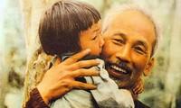 Ho Chi Minh-Pemimpin yang lugas, mencintai perdamaian dan sepenuh hati demi bangsa di mata sahabat-sahabat internasional