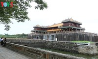 Mengkonservasikan dan mengembangkan nilai pusaka budaya Hue