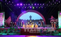 Celebran en Vietnam el 127 aniversario del natalicio del Presidente Ho Chi Minh