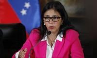 Gobierno venezolano se reúne con líder opositor
