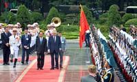Concluye exitosamente la visita del presidente checo, Milos Zeman, a Vietnam