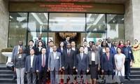 El premier mozambiqueño aboga por el fortalecimiento de los nexos con Vietnam