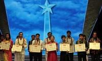 Hanoi praises 10 outstanding youths