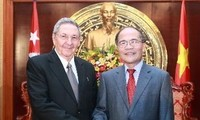 NA Chairman Nguyen Sinh Hung urges for more cooperation with Cuba