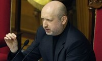 Ukraine kicks off campaigns for presidential elections