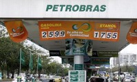 Brazil to investigate 54 politicians relating to Petrobras corruption