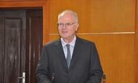 Health insignia presented to EU Ambassador in Vietnam