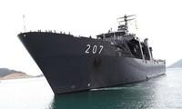 Singapore naval ship visits Vietnam's Cam Ranh port