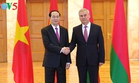 Vietnam, Belarus help businesses access other country's market: President Quang
