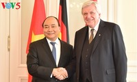 Prime Minister pledges favorable conditions for investors from Hessen state