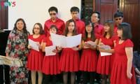 視覚障がい者らにより構成された「希望」という名の合唱団