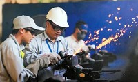 労働組合、海外派遣労働者の保護