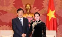 ガン国会議長、中国の劉政治局常務委員と会見