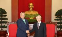 チョン党書記長、ハンガリー首相と会見