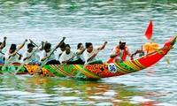 朔庄省高棉族人的龙舟比赛