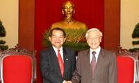 阮富仲会见老挝万象市长