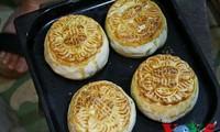 河内人中秋做月饼