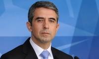 保加利亚总统参加在河内的各项会见和文化交流活动