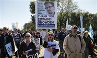美国民众举行示威活动反对监听计划