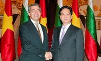 推动越南与保加利亚多领域合作关系发展