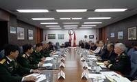 越南-加拿大加强国防合作