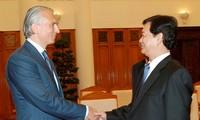 阮晋勇会见俄罗斯天然气工业石油公司总经理久科夫