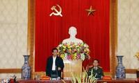 越南政府总理阮晋勇同中央公安党委举行座谈