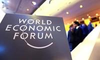 越南政府副总理兼外长范平明出席世界经济论坛2015年年会