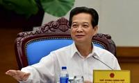 阮晋勇总理:继续按计划进行国企结构重组