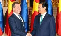 俄罗斯总理梅德韦杰夫圆满结束对越南的正式访问