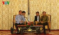 越南高级代表团圆满结束访老行程