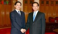 越南政府总理阮晋勇会见中国云南省省长陈豪