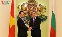 越南政府总理阮晋勇圆满结束对保加利亚的正式访问