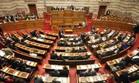 希腊议会通过第二轮改革法案